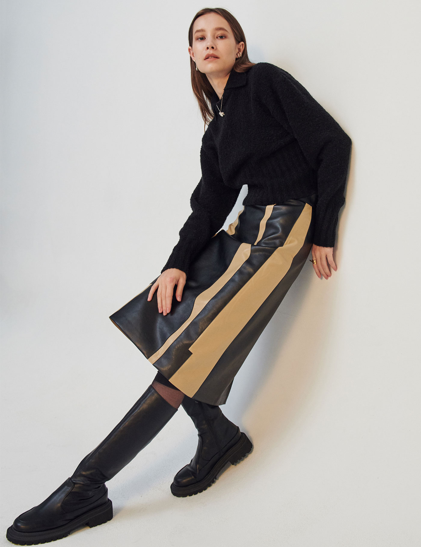COLOR-BLOCK FAUX LEATHER SKIRT [12월 8일 예약배송]