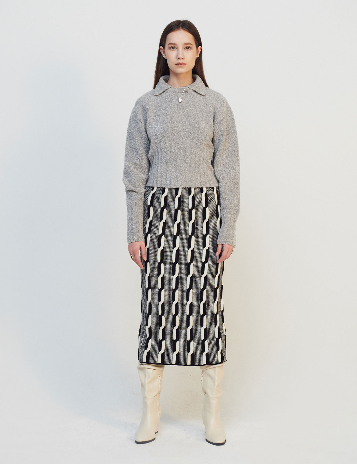 REVERSIBLE CABLE-KNIT SKIRT